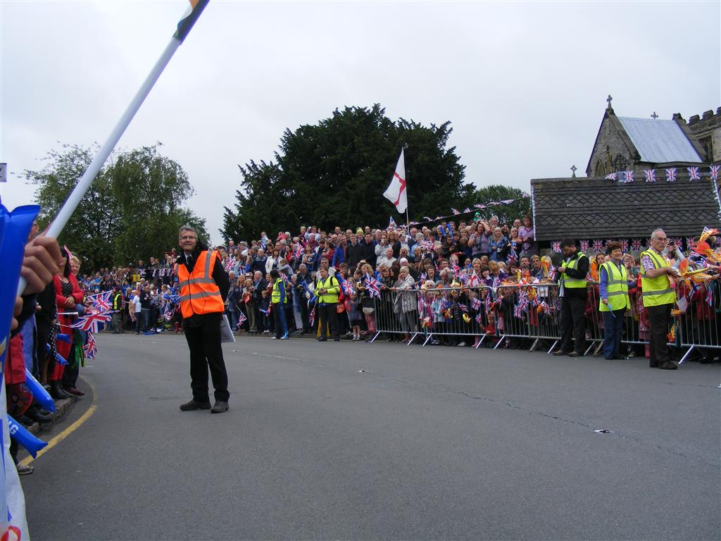 Children and crowds by St. Mary�s Church